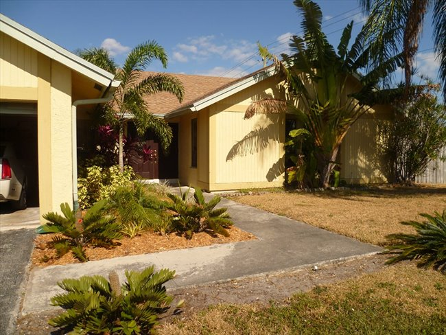 Room for rent in Northwest 52nd Street, Lauderhill - Room available -- Convenient Central Broward Location - Image 4