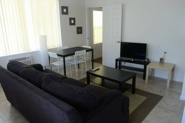 Room for rent in Centinela Avenue, Mid-City - SHARED ROOM FOR MALE  - Image 1