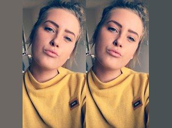 EasyRoommate UK - Grace - 19 - Taunton