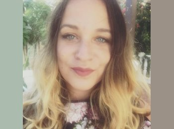 EasyRoommate UK - Jessica - 24 - Roath