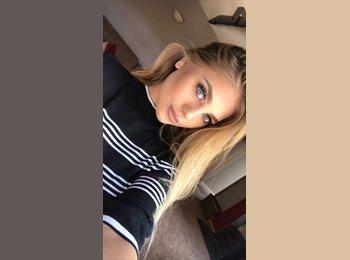 EasyRoommate UK - Lucy - 18 - Leeds