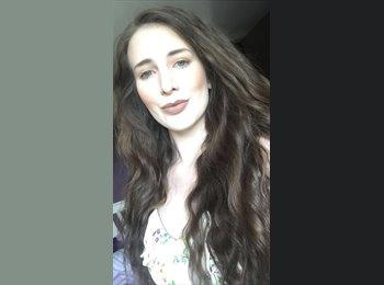 EasyRoommate UK - Laura  - 19 - Bruntsfield