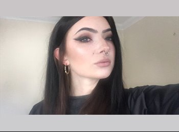 EasyRoommate UK - Molly - 20 - Greenhithe