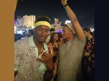 EasyRoommate US - Richard - 26 - Las Vegas