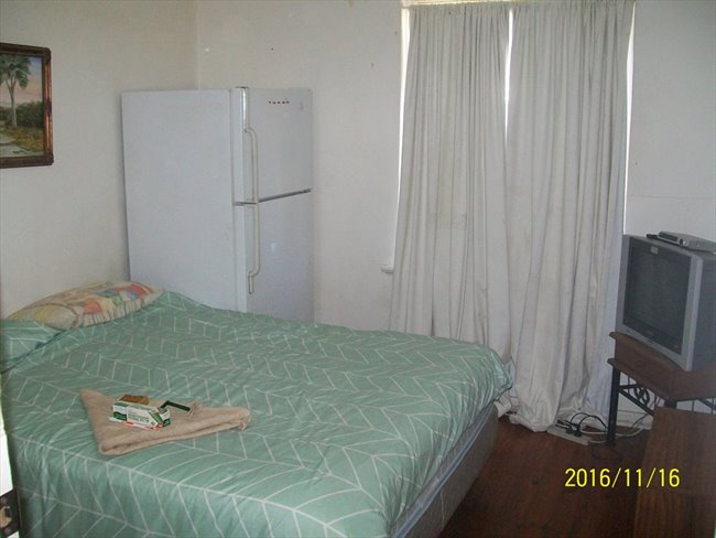 Room to rent in Marshman Street, Davoren Park - Hotel Style TV Fridge Clock Radio new Bedding Room Key - Image 4