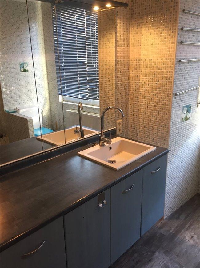 Colocation à Rue de la Vallée Bailly, Braine-l'Alleud - !!!!   Nouvelle chambre de libre !!!!Chambre dans magnifique duplex - !  | Appartager - Image 3