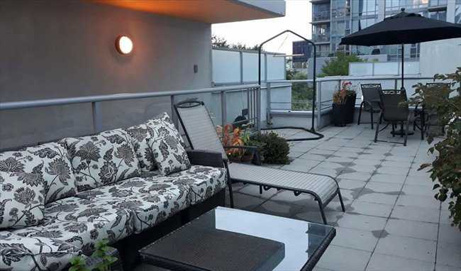 Room for rent in Citadel Parade, Central - Modern Townhome with Double Height Ceilings (Female only) - Image 5