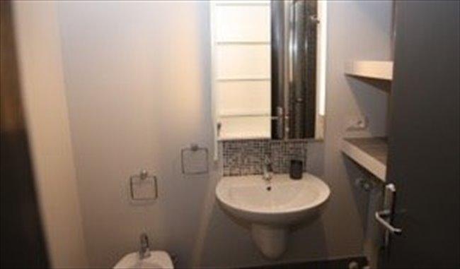 Stanze e Posti Letto in Affitto - Piazza M. Sanmicheli, Roma - Elegante,grande e luminosa stanza con bagno privato | EasyStanza - Image 6