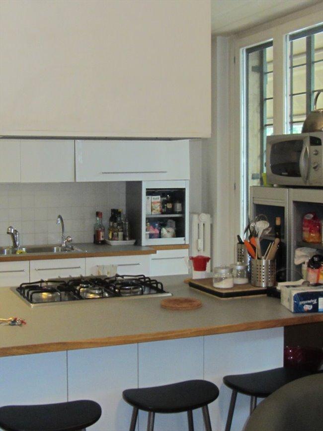 Stanze e Posti Letto in Affitto - Via Collalto Sabino, Roma - Stanza singola con letto matrimoniale. Casa condivisa con giovani studenti/lavoratori | EasyStanza - Image 2