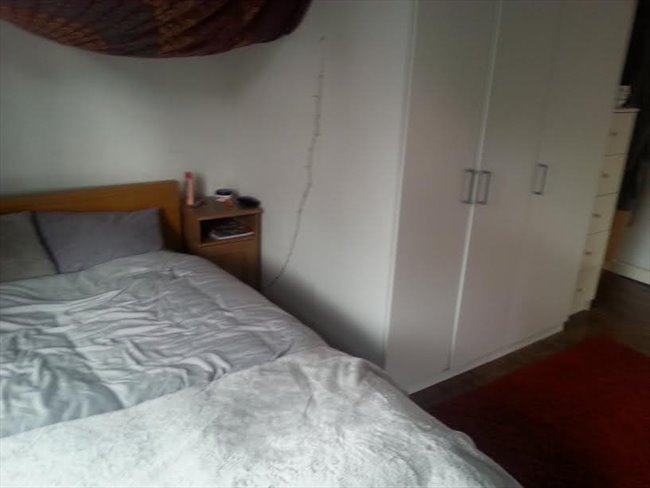 Room to rent in Dovedale Road, Liverpool - Spacious, All inclusive double room in great location, L18 - Image 8
