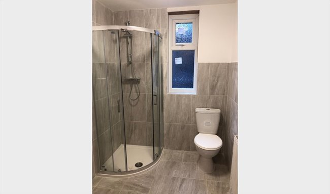 Room to rent in Hamilton Road, Manchester - Double rooms close to Manchester University - Image 2