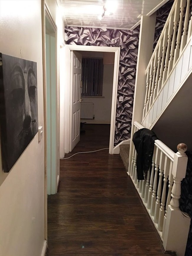 Room to rent in Barrett Street, Smethwick - Double Room- To Let - Image 7