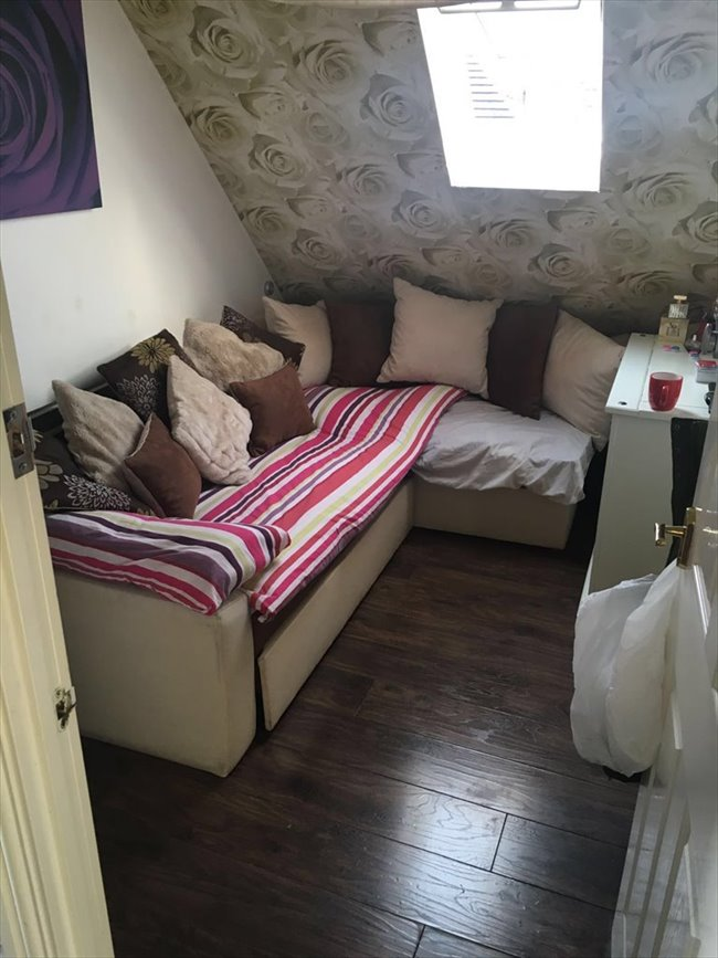 Room to rent in Barrett Street, Smethwick - Single Room - To Let  - Image 4