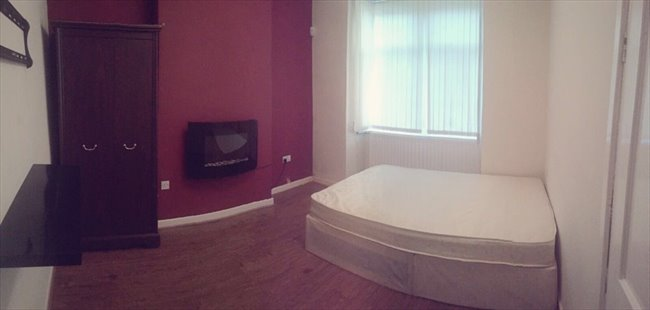 Room to rent in Cheshire Road, Smethwick - SPACIOUS DOUBLE ROOMS AVAILABLE ALL BILLS INCL. - Image 3