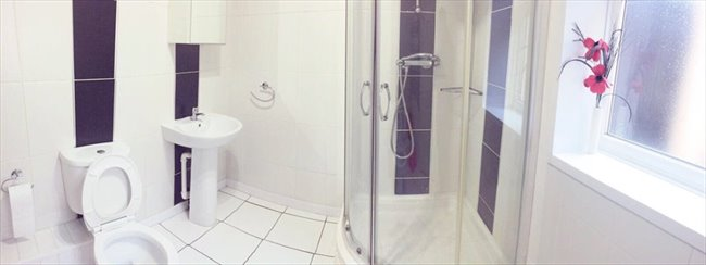 Room to rent in Cheshire Road, Smethwick - SPACIOUS DOUBLE ROOMS AVAILABLE ALL BILLS INCL. - Image 4