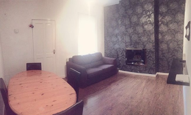Room to rent in Cheshire Road, Smethwick - SPACIOUS DOUBLE ROOMS AVAILABLE ALL BILLS INCL. - Image 6