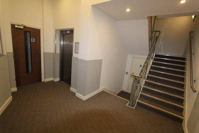 Room to rent in Sylvester Path, London - FABOLOUS DOUBLE ENSUITE - Image 5