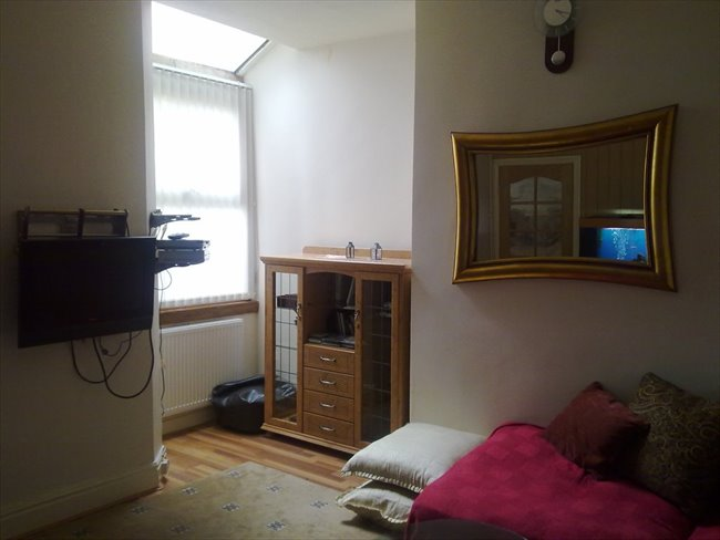 Room to rent in Marley Road, Manchester - Single Room to Rent - Levenshulme - Image 3