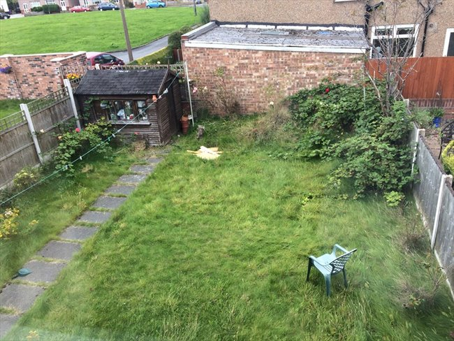 Room to rent in Booker Avenue, Liverpool - Cosy House in Allerton - Image 2