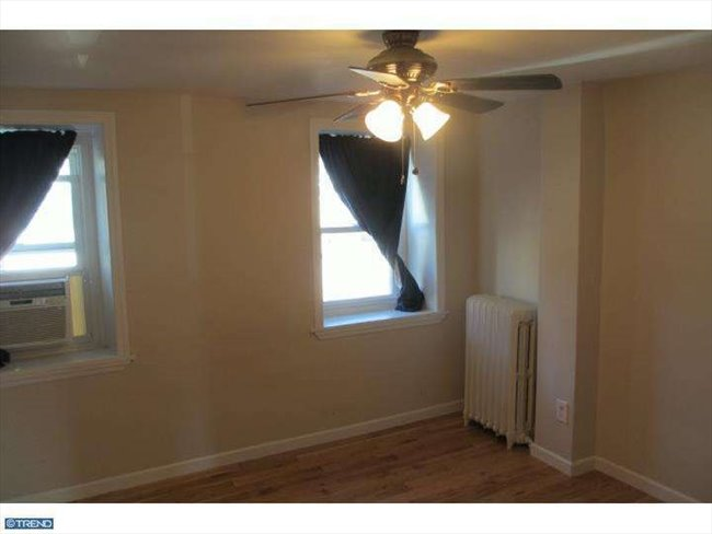 Room for rent in Martin Street, Northwest Philadelphia - Awesome Manayunk Home with Parking!  - Image 1