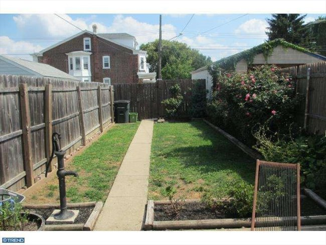 Room for rent in Martin Street, Northwest Philadelphia - Awesome Manayunk Home with Parking!  - Image 3