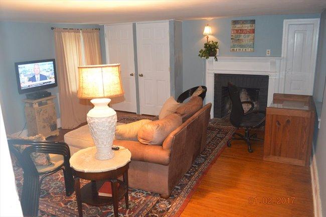 Room for rent in Penllyn Pike, Ambler - Room in estate home  - Image 2