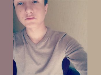 Appartager FR - Jonathan - 18 - Nevers