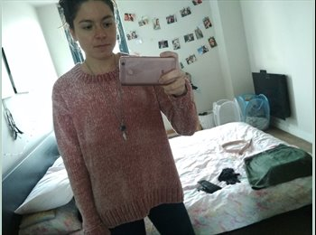 EasyRoommate UK - Laura - 24 - Sheffield