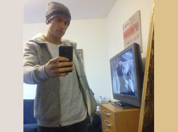 EasyRoommate UK - Tristan - 27 - Bournemouth