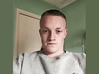 EasyRoommate UK - Hayden - 23 - West Bromwich