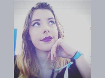 EasyRoommate UK - Rebecca - 18 - Preston