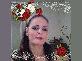 EasyRoommate US - Brooke - 45 - Fresno