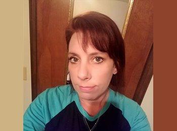 EasyRoommate US - Michelle - 42 - Smyrna